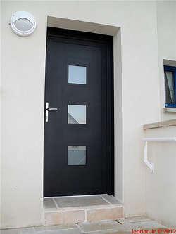 Les portes d 39 entr e aluminium le drian batiman votre fabricant guidel installateur for Les portes aluminium